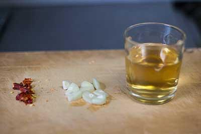 木酢液、ニンニク、唐辛子